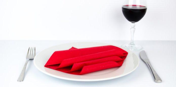 Servietten falten, servietten hochzeit, einfach basteln, servietten falten, serviette basteln