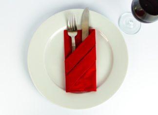 bestecktasche falten, servietten falten, servietten hocheit, muutertag, ostern, weihnachten servietten falten