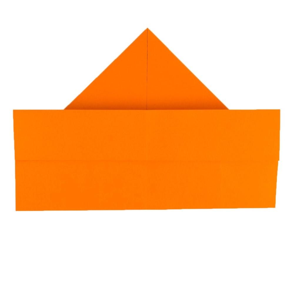 Papierhut falten - Schritt 7