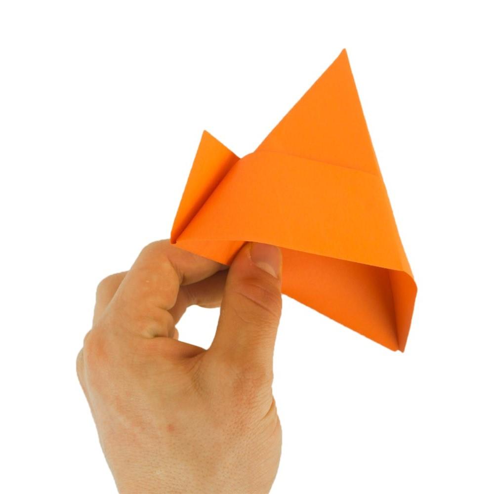 Papierhut falten - Schritt 9
