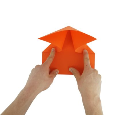 Kunstflieger falten - Schritt 4
