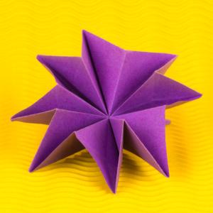Wunderschöne 3D Origami Blume falten - Anleitung von Einfach Basteln