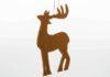 Das fertig gestellte Rentier aus Filz zum Schmücken des Weihnachtsbaums