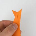 Die fertige Schwanzflosse des Origami Fisches.