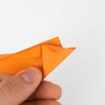 Die Spitze des Origami Fisches wurde umgefaltet.