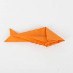 Einen Origami Raubfisch falten