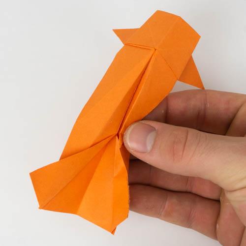Origami Koi fast fertig gestellt.