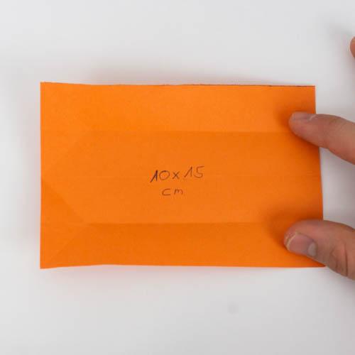 Origami Koi - Papier wieder vollständig aufgefaltet.