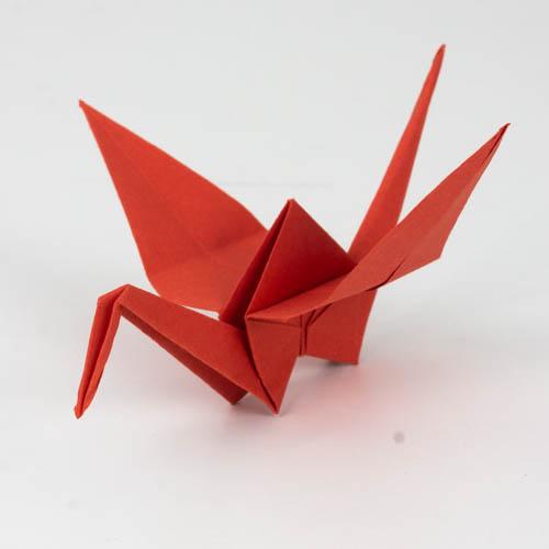 Origami Kranich falten Anleitung - Endresultat