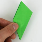 Schritt 37 von 70 beim falten des Origami Vogels.