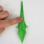 Der Origami Papagei, wenn er auf die andere Seite gewendet wurde.