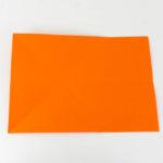 Wie bastelt man einen Papierflieger - Schritt 4