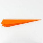 Einen Papierflieger falten Anleitung - Pfeil falten Anleitung