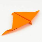 Papierflieger Schwalbe falten Anleitung - Papierflieger für Anfänger - Anleitung Papierflugzeug