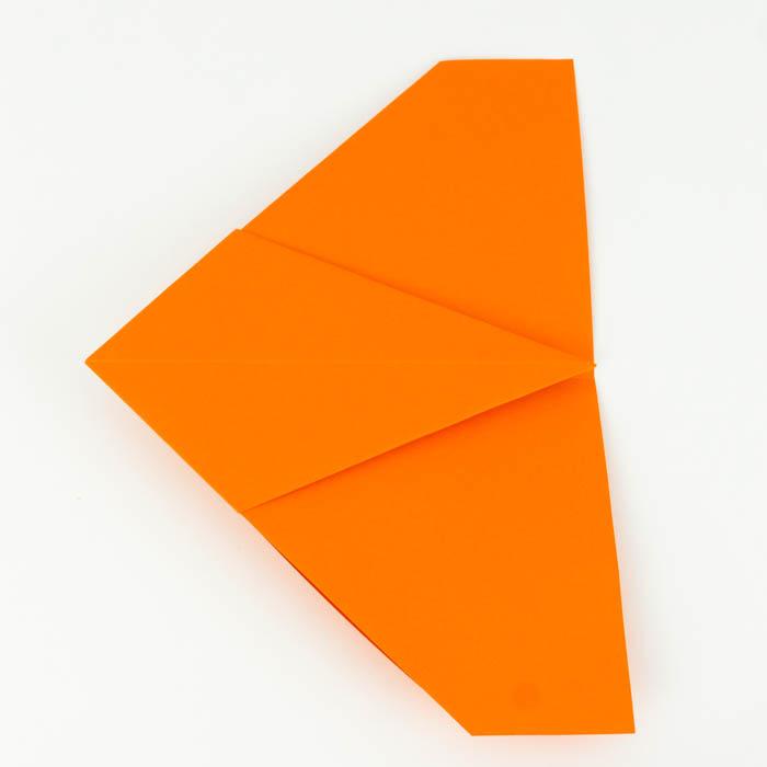 Drehe das Papier auf die andere Seite