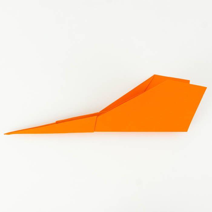 Einen Papierflieger Düsenjet falten Anleitung.