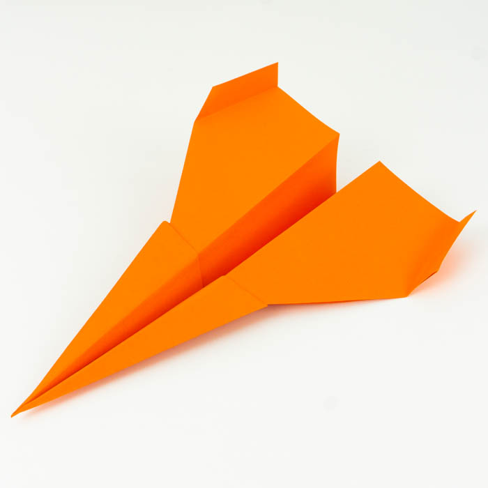 Papierflieger Düsenjet falten - Papierflugzeug basteln - Anleitung für Anfänger - Papierflieger falten