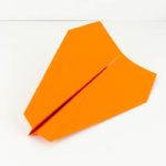 Eine Papierflieger Bastelanleitung - Papierflugzeug basteln - Stump Dart falten - Papierflieger