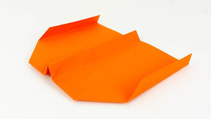 Papierflieger Gleiter falten - Papierflugzeug falten - Langstrecken Gleiter Anleitung