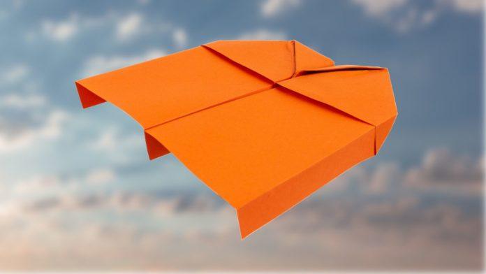 Einen Langstrecken Gleiter falten - Papierflieger falten - Papierflugzeug basteln